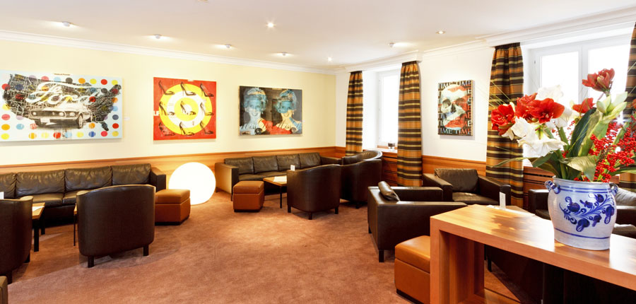 Switzerland_St-Moritz_Hotel-Monopol_Bar-lounge.jpg